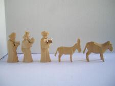 5 Krippenfiguren aus Holz: 3 Könige, Ochs + Esel, sehr guter Zustand