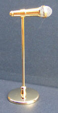 Micrófono de escala 1:12th en un soporte de metal casa de muñecas en miniatura de accesorios de música