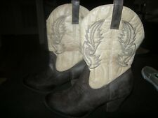 New Womens Two Tone Brown Coconuts Boots, Size 8 M