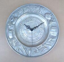 Pendulette en ÉTAIN épais décor RAISIN TONNEAU VENDANGE pendule cuisine MARCHE