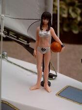 Crew Figur 1:20 Lady im sexy Bikini mit Ball / Fender für Segelboot Motorboot