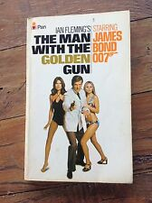 THE MAN WITH THE GOLDEN GUN. MOVIE NOVEL. JAMES BOND 007 Sir Roger Moore