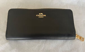 COACH BLACK SMOOTH LEATHER ACCORDION ZIP WALLET