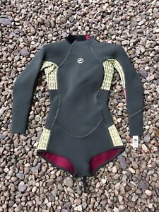 Ladies Long Sleeve Shorty Wetsuit Size 8 Marine 13 Trade In