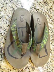 CHACO GREEN FLIP FLOP SANDALS MENS 7 WOMENS 9