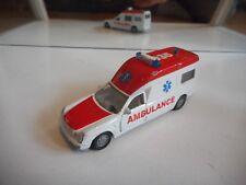 Siku Mercedes Binz A 2002 Ambulance in WHite/Red
