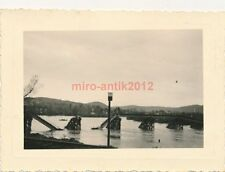 Foto, Arzt im Feldzug, Brücke vor Zagreb / Agram, Kroatien, 1941 (N)1827
