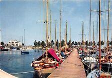 BR2508 France Ouistreham Riva Bella boats bateaux