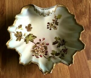 Gorgeous Antique Wiltshaw & Robinson 'Royal May' blush dish hand painted.