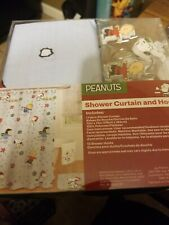 NEW PEANUTS HOLIDAY CHRISTMAS FABRIC SHOWER CURTAIN WITH HOOKS