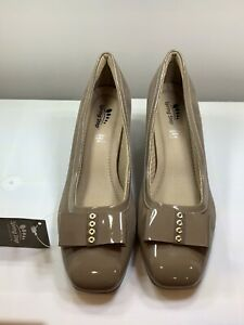 Spring Step PADOVA Taupe Patent Leather Bow Pumps  Women's Size: U.S 7/EUR 38