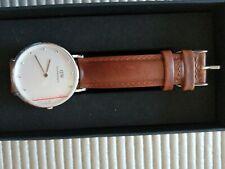 Daniel Wellington Unisex Watch Brown Leather Strap White Face 0960DW Classic St
