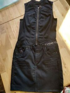 Kangaroos Denim Dress - Zipped up the front - Stretch Material New Without Tags