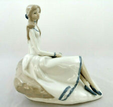 Teresa The Tulip Maiden Porcelain Figure by Fulgenico Garcia, Franklin Mint 1983