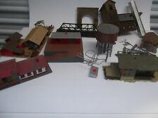 HO buildings, bridge & others Vintage 10 pcs one powered