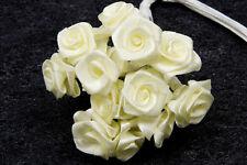 72 petites roses ivoire. Décoration de mariage