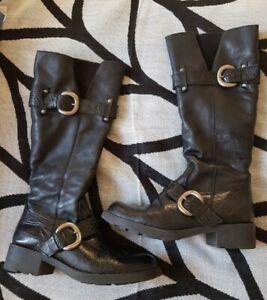 Apart Stiefel Größe 37 schwarz mit Fell neuwertig