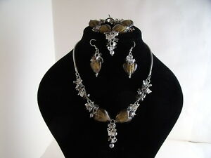 New Beautiful Smoky Gold Glass Heart Necklace Bracelet & Earrings Set