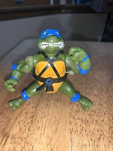 Vintage 1990 Teenage Mutant Ninja Turtles LEONARDO Figure TMNT Please Read
