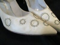Something Old Bridal Stiletto Champagne Silk Rhinestone sz 6 Vintage 60s
