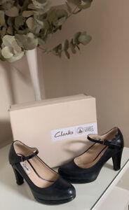 Clarks  ladies shoes size 4