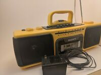 Sony CFS-920 vintage boom box. Tested works great. Tape deck recorder mic 3.5mm