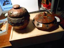 (2) Ancien Pot à Bonbon Tabac Bois Sculpté Clouté Laiton Art Populaire de Savoie