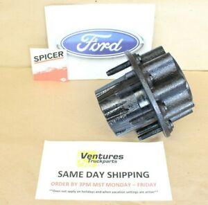1999 - 2004 Ford F350 Dually Super Duty Dana 80 Rear 8 Lug Wheel Hub