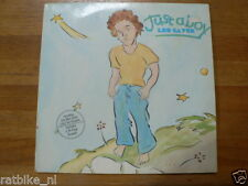 LP RECORD VINYL LEO SAYER JUST ABOY AND 16 PAGE BOOKLET 1974 GERMAN