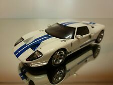 MINICHAMPS FORD GT 2004 - WHITE+BLUE 1:43 - EXCELLENT CONDITION - 15