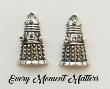 5 x Tibetan Silver DALEK DR WHO SCI-FI ROBOT 30mm Charms Pendants Beads