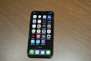 Apple iPhone XS 64GB Space Gray Verizon (unlocked) only 7 hours usage Perfect!