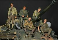 1:35 USA Fury Tank Crew World War 2 (WW2) 5 Figures Resin Model Kit