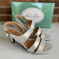 NIB Abella Francine white kitten heel sandals Women's Size US 9 Medium