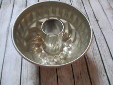 Kaiser Tin Mold Vintage 6 5/8 inches across 3 1/2 inches deep