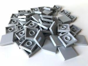 LEGO ®  50 Fliesen 2x2 in  hellgrau ( light bluish gray ) , NEUWARE