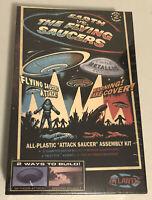Atlantis Earth vs The Flying Saucers Attack Saucer model kit 1005