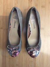 J.Renee Suede Wedges Snake Bow Brown Size 7.5M