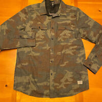VOLCOM Button Front Shirt Green Camo Print Men's Size Large Modern Fit Retro