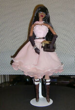 2007 Fashion Royalty Rare Find Isha Doll in She Comes in Colors Fashion