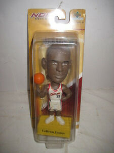 "NIB OLD 7"" LEBRON JAMES UPPER DECK BOBBLE HEAD NBA BASKETBALL CLEVELAND CAVS"