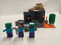 LEGO Minecraft The Dungeon 21119 complete with all 3 minifigures