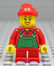 New Lego Christmas Girl Elf - Female Santa Helper Minifig w/Red Short Legs