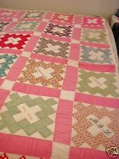 Vtg Hand Quilted Signature Friendship Quilt Courthouse Square 50 X 72 Patchwork