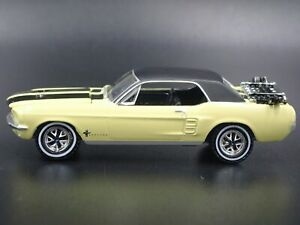 1967 67 FORD MUSTANG COUPE RARE 1:64 SCALE COLLECTIBLE DIORAMA DIECAST MODEL CAR