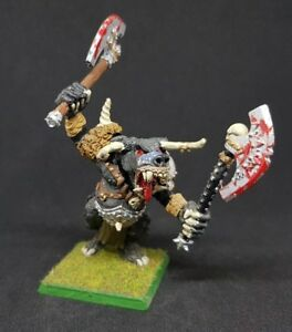 Beastmen Chaos Boombull painted metal model oop