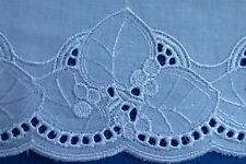 Plauener Spitze Borte Band weiß 10 cm breit Stickerei Baumwolle Meterware Deko