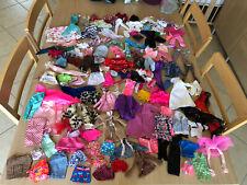 Lot Vêtements Robe Barbie Et No Barbie Vintage