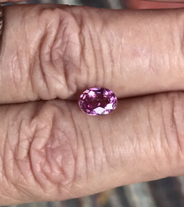 Easter Gift Natural Sapphire 1.03 Ct Unheated Oval Shapes Transparent Pinkish red from Sri Lanka Wedding Anniversary Birthday Gift
