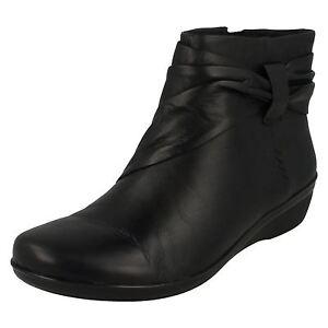 Oferta Mujer Clarks Negro Leather Botas Everlay Mandy (Ajuste D)